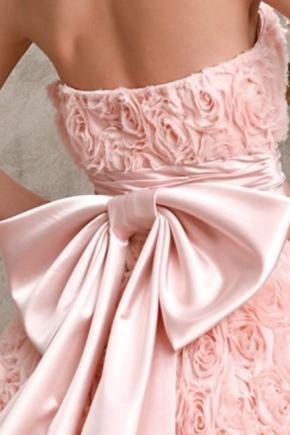 Як красиво зав'язати пояс на сукні?