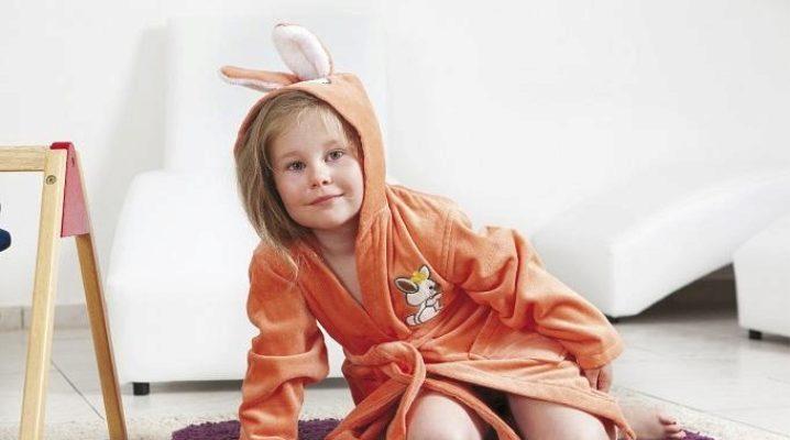 Дитячий махровий халат з капюшоном