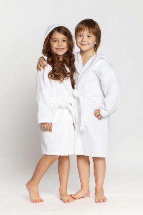 Дитячий халат з капюшоном