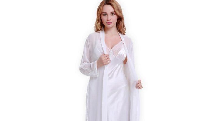 Білий шовковий халат