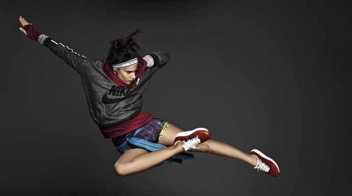 Жіноча спортивна одяг Nike