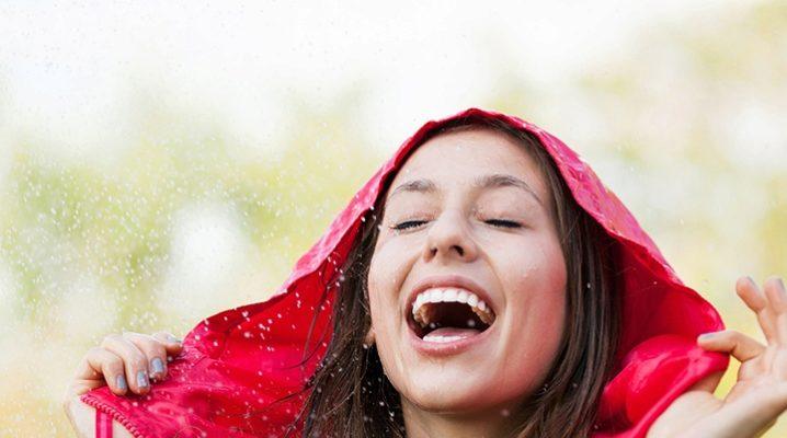 Жіноча куртка-дощовик – кращий захисник від поганої погоди