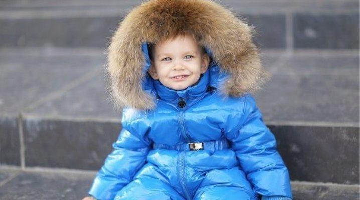 Дитячий комбінезон від Moncler