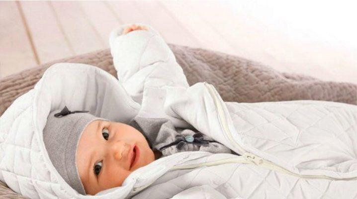 Зимовий комбінезон для новонароджених