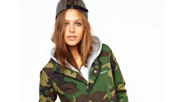 Камуфляжна куртка – стиль мілітарі знову в моді!