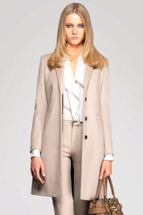Вовняне пальто жіноче