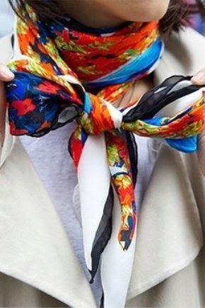 Жіночі шовкові шарфи