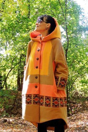 Жіноче пальто в стилі бохо