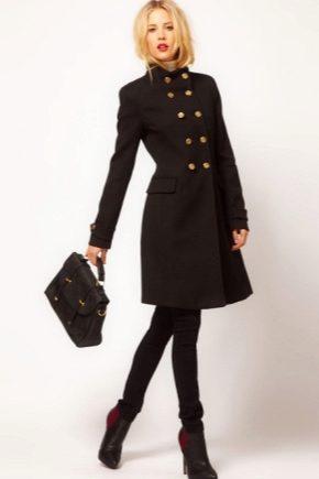 Класичне чорне пальто жіноче