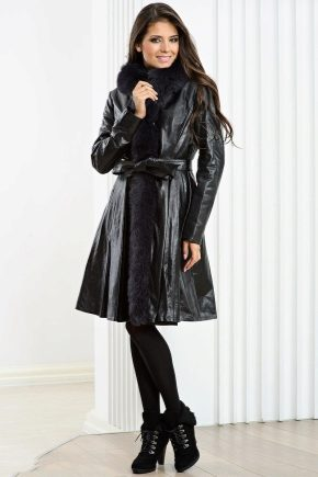 Жіноче шкіряне пальто – головні тренди сезону