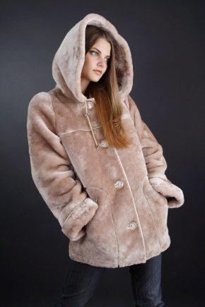 Пальто з мутона