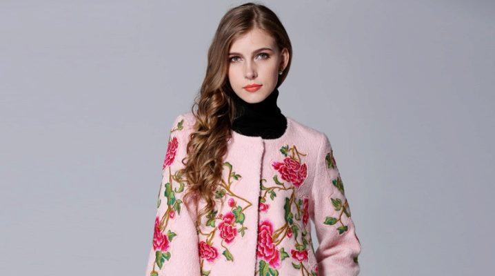 Пальто з вишивкою – найкращий спосіб проявити індивідуальність