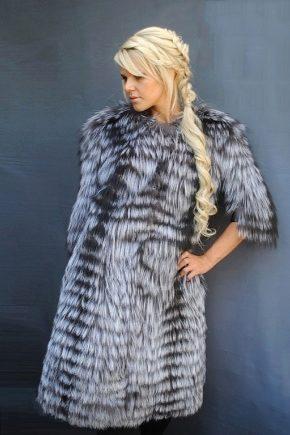 Пальто з чорнобурки