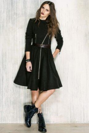 Чи можна носити сукні з черевиками?