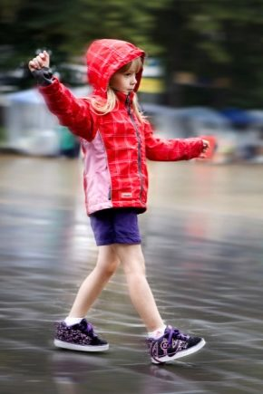Дитячі кросівки на коліщатках