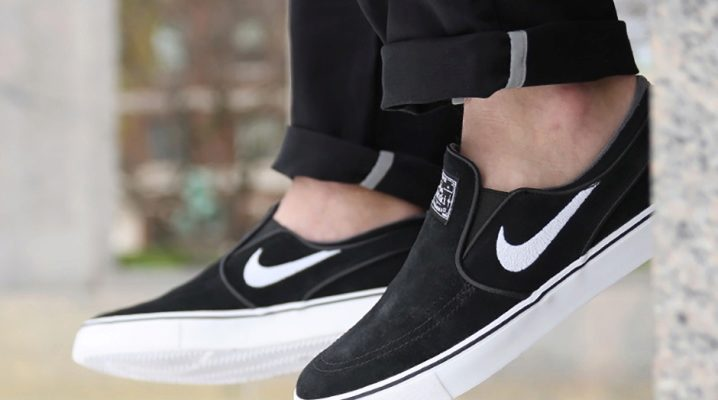 Сліпони від Nike