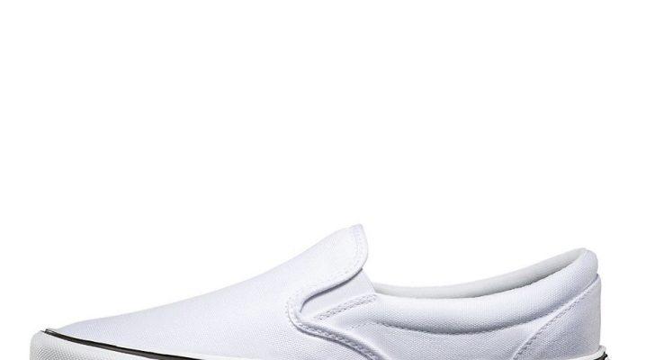 Білі сліпони – з чим носити і як доглядати?
