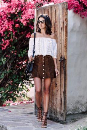 З чим носити коричневі туфлі?