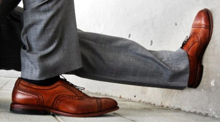 Як правильно поєднувати колір штанів і туфлі?