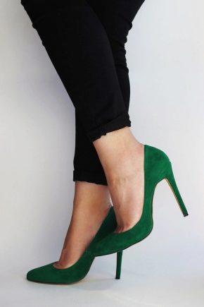 Замшеві туфлі та їх особливості