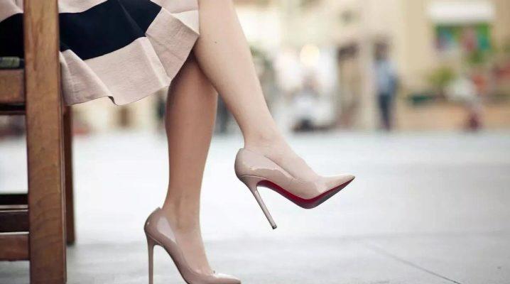 З чим носити бежеві туфлі – поради стилістів