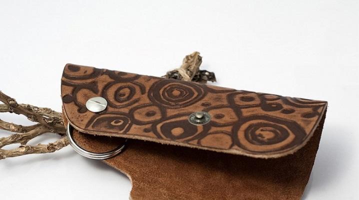 Модна кишенькова ключниця