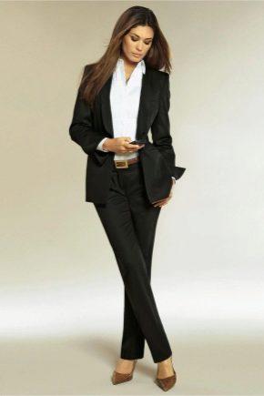 Чорний костюм для жінок