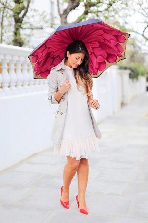 Великий зонт – порятунок від дощу і вітру