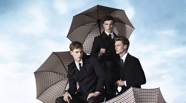 Великий чоловічий парасольку – найкращий порятунок від дощу