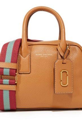 Особливості сумки для ручної поклажі в літаку