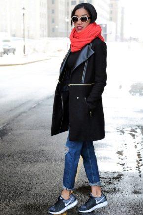 З чим носити червоний шарф?