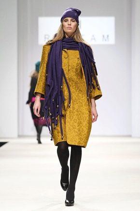 Як правильно і красиво носити шарф з пальто?