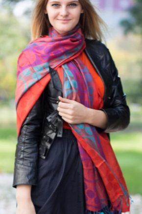 Хустка, шарф або палантин – модні тенденції