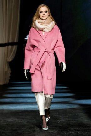 Як підібрати шарф до пальта різного кольору?