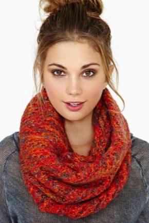 З чим носити помаранчевий шарф?