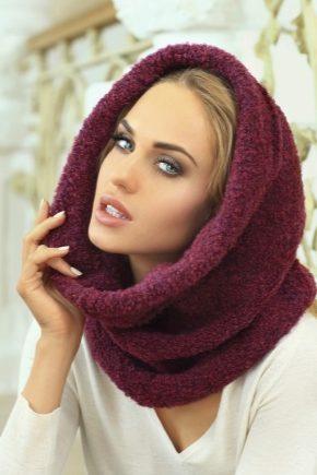 З чим носити бордовий шарф?