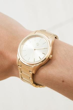 Наручні кварцові годинники