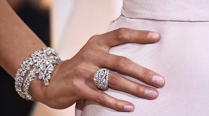 Браслет з білого золота з діамантами