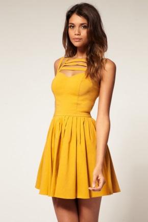 Одяг для невисоких жінок