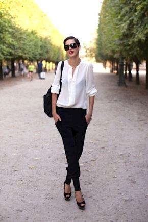 Базовий гардероб для жінки 30 років