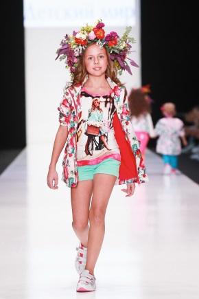 Мода для дівчаток 8-9 років