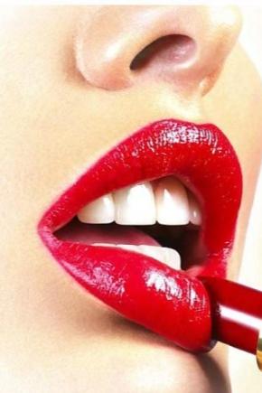 Стійка помада для губ