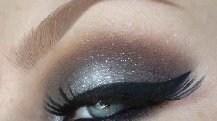 Як зробити макіяж з сірими тінями?