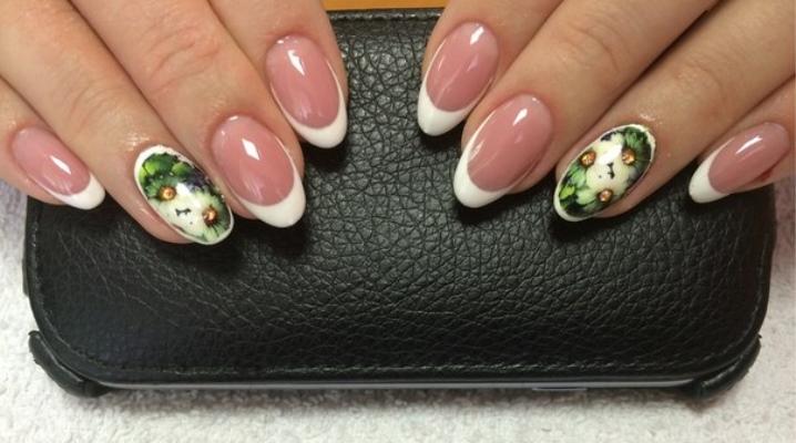 Манікюр на овальні нігті