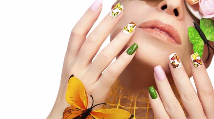 Манікюр з метеликами