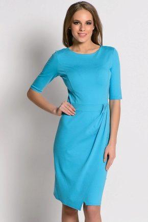 Блакитне плаття: популярні моделі і з чим носити