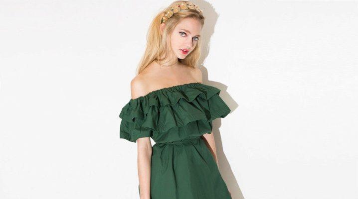 Сукня з воланом на плечах