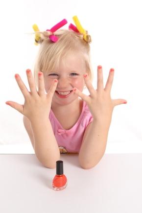 Дитячий лак для нігтів