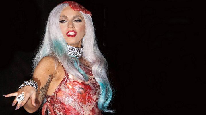 Леді Гага в сукні з м'яса