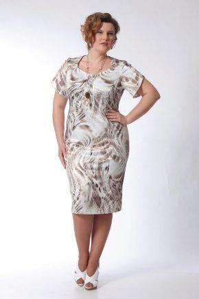 Літні сукні для жінок 50 років та старше